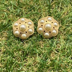 Vintage etch gold plate honeycomb ivory pearls wed